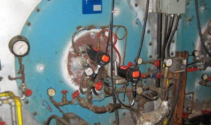 Detectores de llama en instalación de quemador